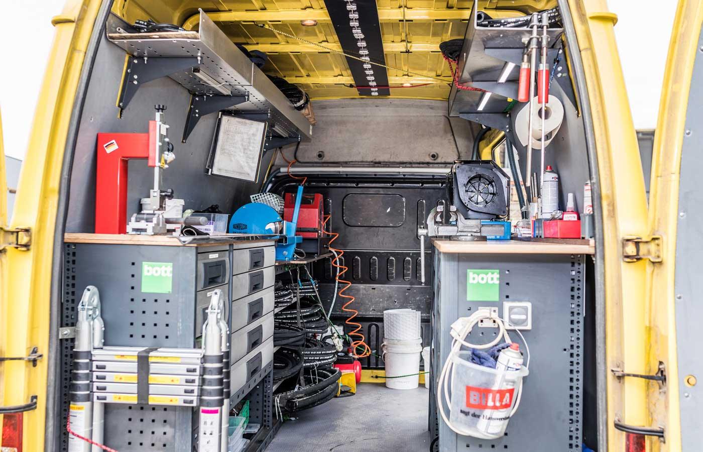 Mobiler Hydraulikbus von Innen